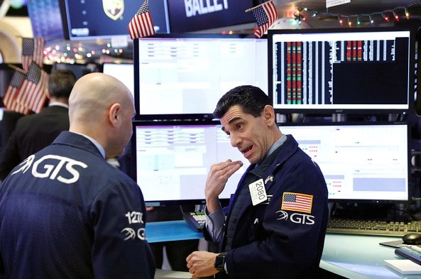 Exchanges in the US are in a fever, although economists see no reason to panic
