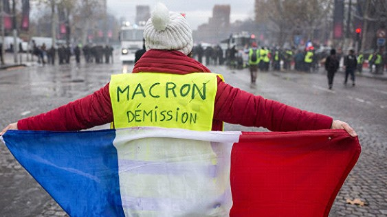 In France detained three people in the case of staging the execution of Macron during the protests
