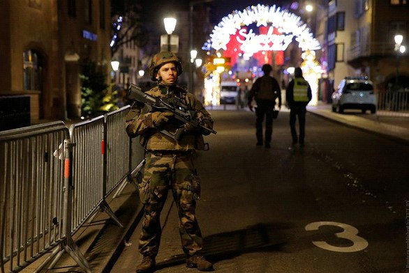 Shooting in Strasbourg: the Minister said the number of victims, the shooter is still looking for