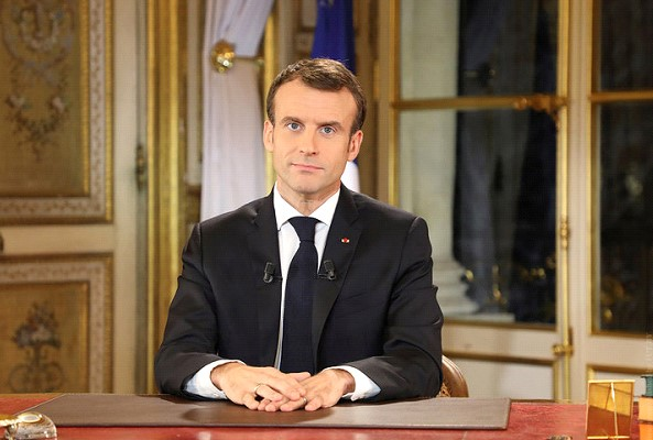 Macron wrote a letter to the French and called for a national debate