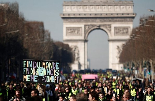 "More than 10 thousand ""yellow vests"" came to the protests in France"