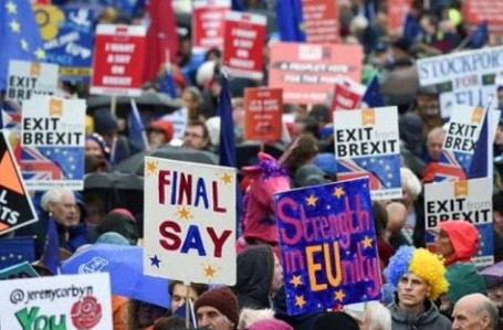 "Petition to cancel ""Brexit"" signed by more than 5 million Britons"