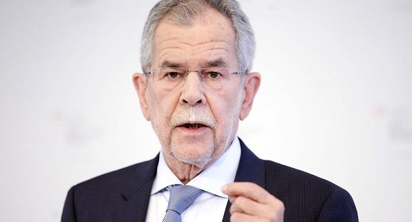 The Austrian President urged Europe not to dance to Trumps tune