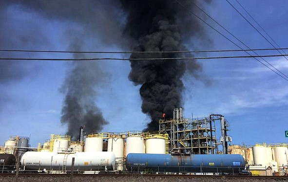 One person was lost in a fire at a chemical plant in Texas in the United States