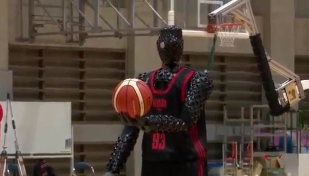 Toyota represented a new robot basketball player