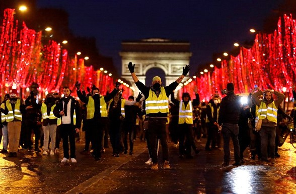 """Macron has announced the concessions in response to protests of the """"yellow jackets"""""""