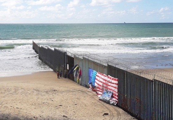 A court in the US blocked the construction of part of the wall on the border with Mexico