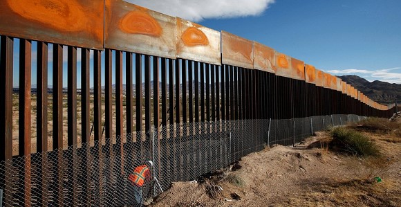 City authorities in the United States banned the construction of a fence near the border with Mexico