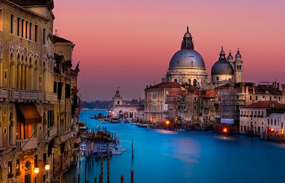 Venice authorities decided to introduce a new tax on entry