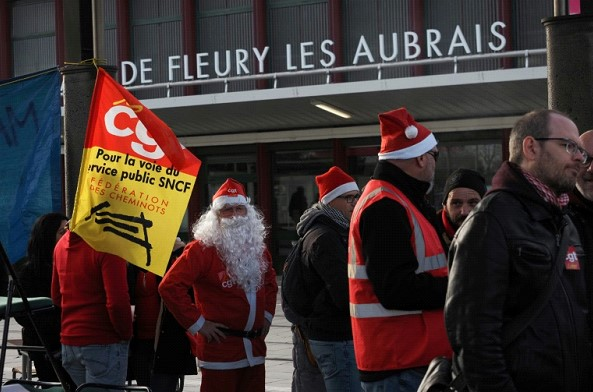 In France, drivers continue to strike, despite the holidays
