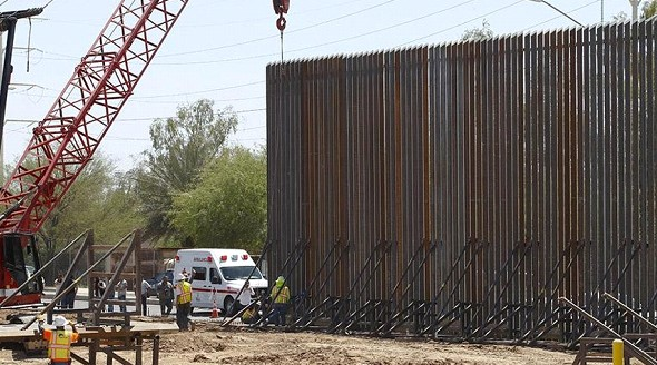 The US will build a new section of fencing on the border with Mexico by the end of 2020