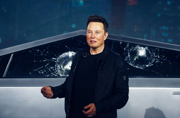 Elon Musk dance started the presentation of electric SUVs in Shanghai