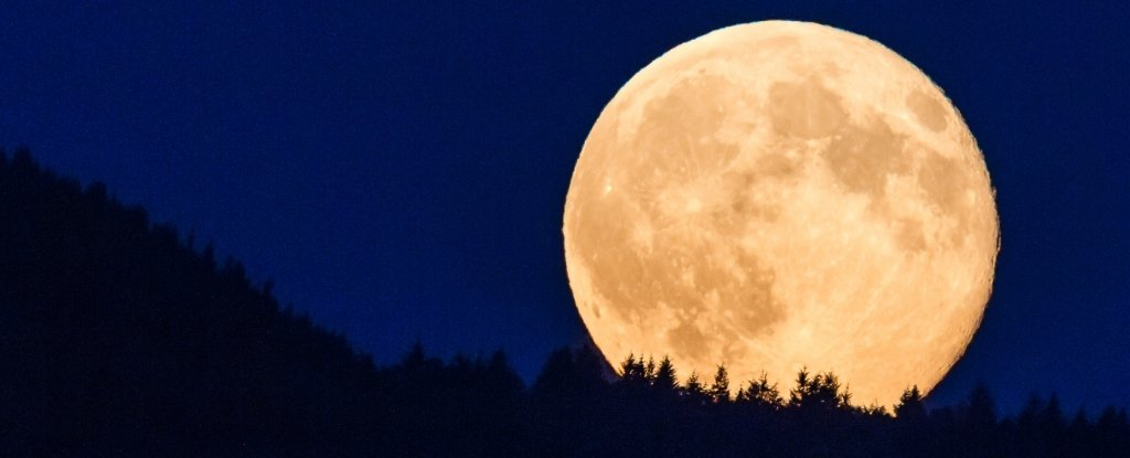 """This weekend we can see """"Snow Supermoon"""""""