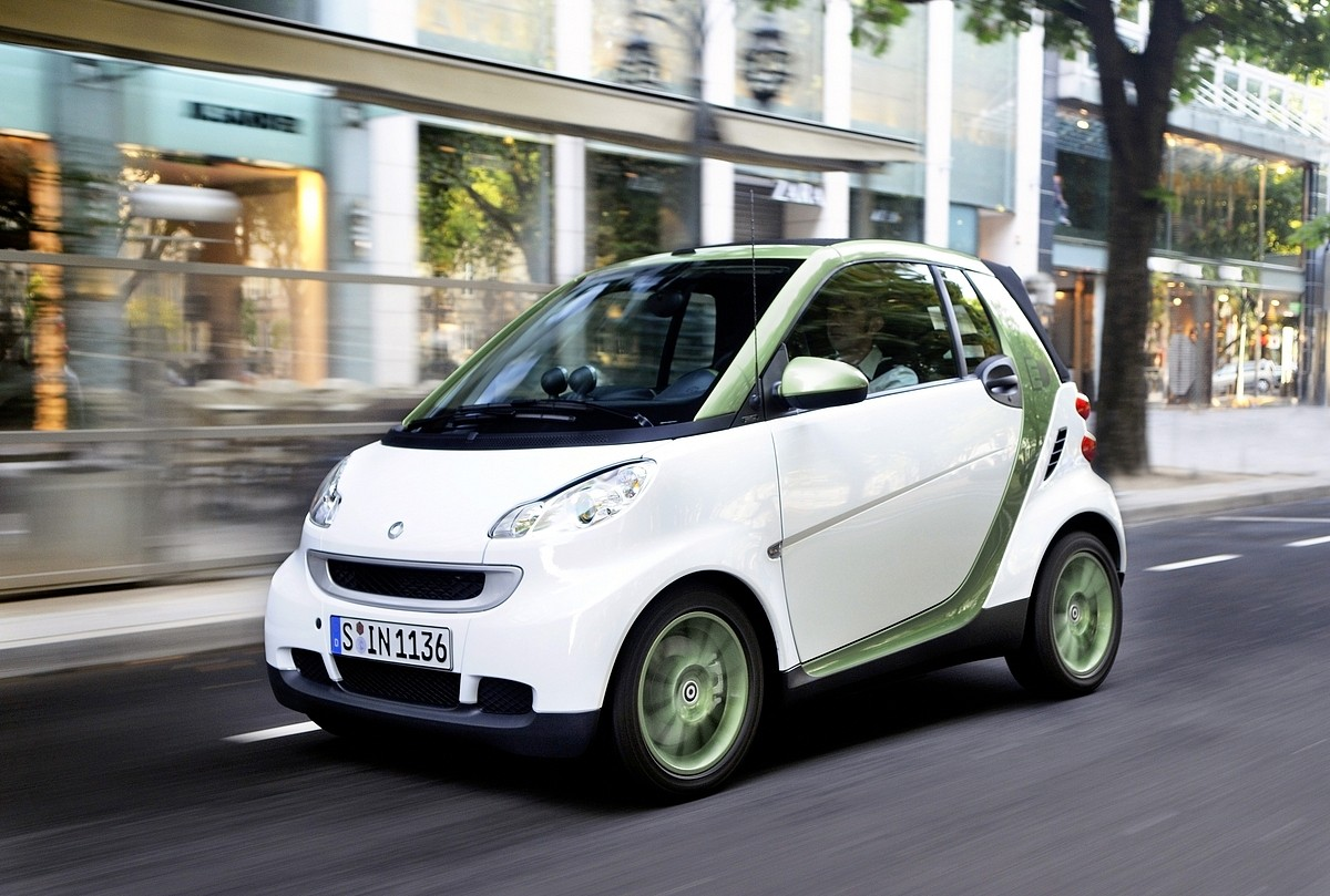 Wireless charging for electric cars will appear in 2020