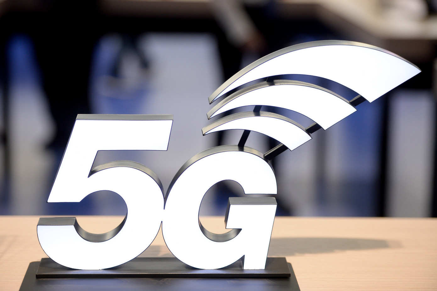 5G devices accounted for less than 1% of smartphones sold in 2019