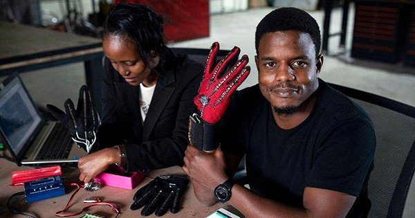 New gloves translate sign language into audio