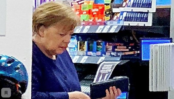 Merkel in the midst of the coronavirus pandemic went without a mask to the supermarket for wine and toilet paper