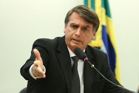 The media reported on a coronavirus in a member of the Bolsonaro administration