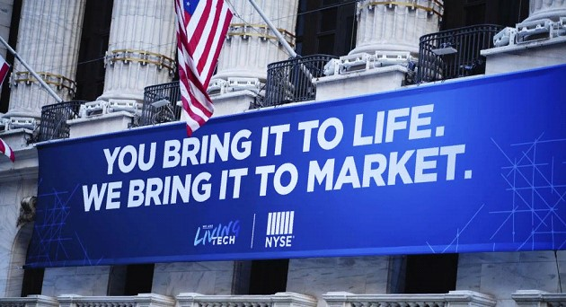 US stock indexes rise as social distancing extends