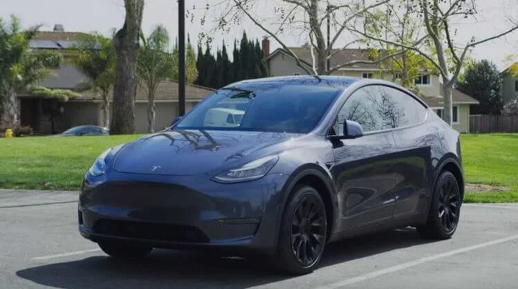 Tesla Model Y looks both a family car and a youth car at the same time