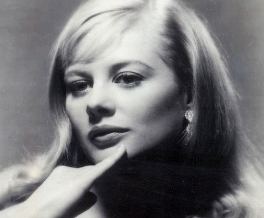Actress Shirley Knight has died