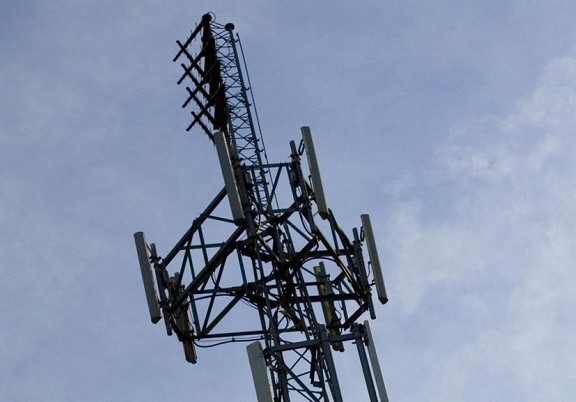 Another country started destroying 5G towers