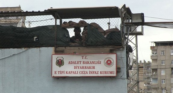 Turkey to release thousands of prisoners