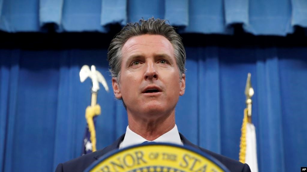 California Governor sued for helping illegal immigrants