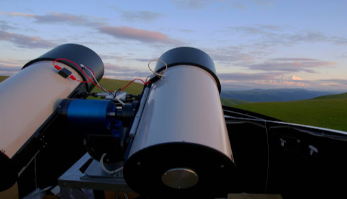 Telescope robots capture optical radiation from a record-high gamma-ray flash