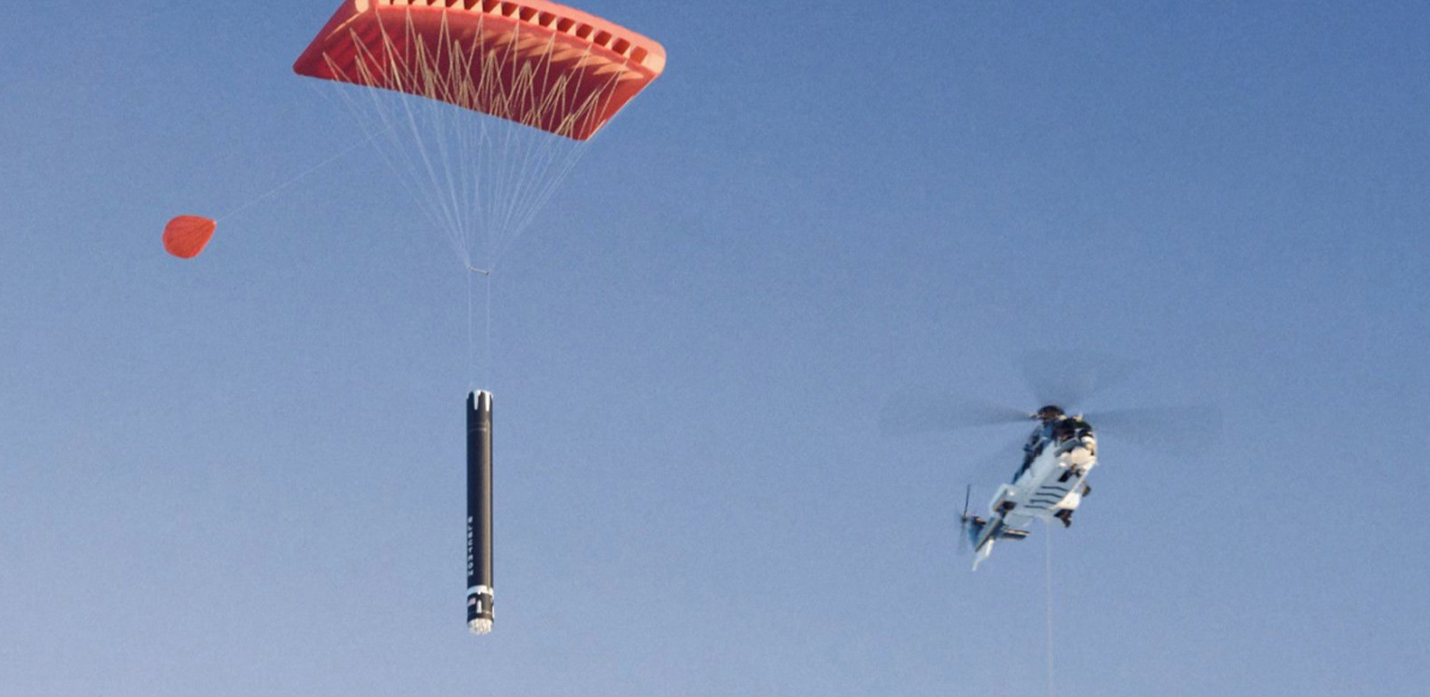 Rocket Lab caught a rocket accelerator in the air with a helicopter